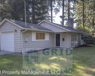 1055 Ne 112th Ave, Portland, OR 97220 3 Bedroom House