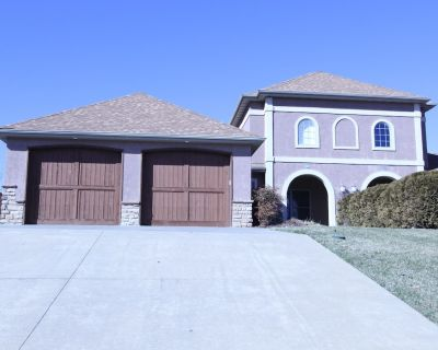 Exquisite! Tuscan-style Villa in Branson Creek! Ideal for a Golf and Nature! - Fieldstone Bluffs