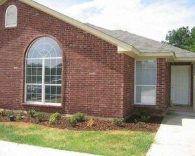 1718 Tina Marie Rd, Arlington, TX 76012 3 Bedroom Condo