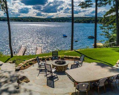 Large And Amazing Lake Winnipesaukee Waterfront House