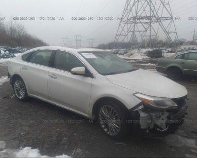 Salvage White 2016 Toyota Avalon