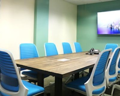 Private Meeting Room for 12 at Pacific Workplaces - Bakersfield