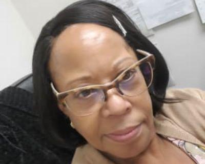 Pamela, 64 years, Female - Looking in: Hampton Hampton city VA