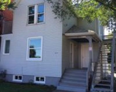 831 Tuscarora Street, Windsor, ON N9A 3M9 3 Bedroom Apartment