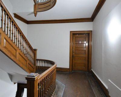 One Bedroom, Hardwood Floors, Bay Windows, Eat-...