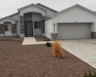 Private room with shared bathroom - Canutillo , TX 79835