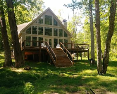 Dahlonega Chalet on the Chestatee River. Very private and family friendly. - Dahlonega