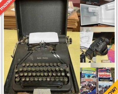 Burlington Downsizing Online Auction - Donald Road
