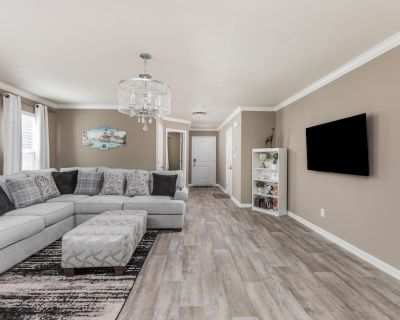 Brand New 5 Beds Luxury Home in a perfect location. - Indianapolis