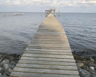 Spend The Night On Historic And Beautiful Mobile Bay - Theodore