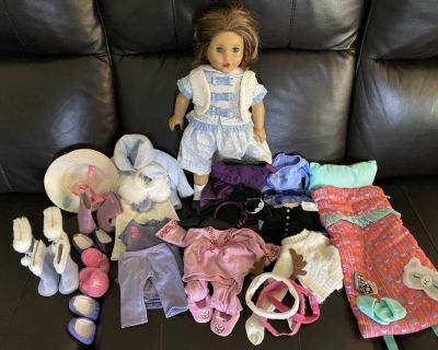 Marie Grace American Girl doll with clothes