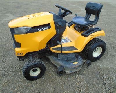 Cub Cadet XT1 LT50 in. Garden Tractors Lake Mills, IA