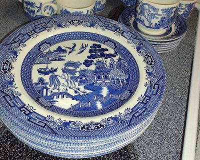 Antique Churchill England Blue Willow dishes set of 6 excellent condition no chips or cracks smoke free home