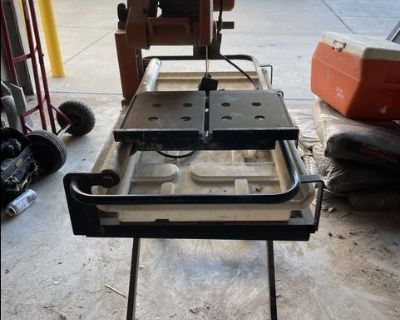 Chicago Electric 10 inch TILE SAW with Tub and Steel Stand