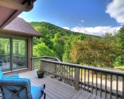 Jack's Seat - Newly Renovated Chalet With Incredible Mountain Views - Asheville