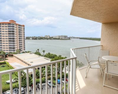 Stunning Views From 9th Floor Waterfront High-Rise w/Hot Tub, Heated Pool & On-Site Restaurant! - Fort Myers Beach