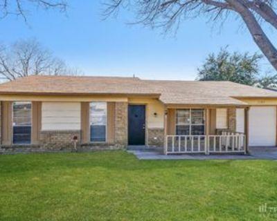 1730 Parkhurst Dr, Garland, TX 75040 3 Bedroom House