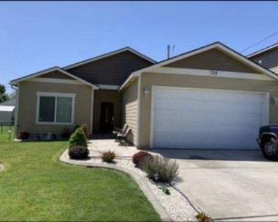 1723 W 19th Ave, Kennewick, WA 99337 3 Bedroom House