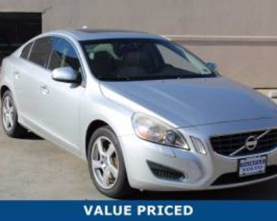 2012 Volvo S60 T5 with Moonroof FWD