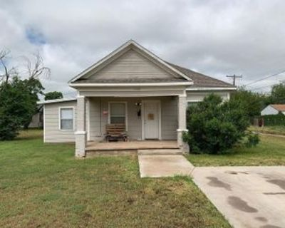 706 13th St #Canyon, Canyon, TX 79015 4 Bedroom House
