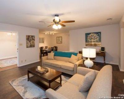105 Gladiola Ln, Castle Hills, TX 78213 3 Bedroom Apartment