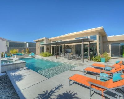 3 Bed, 3 Bath, Modernist Construction with Amazing Backyard Playground - Palm Springs