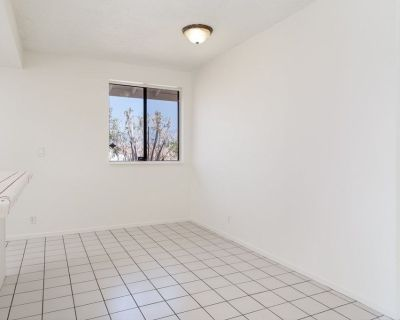 $500 per month room to rent in Desert Hot Springs available from August 31, 2021