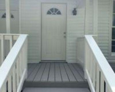 808 North Highland Avenue #North, Jackson, TN 38301 1 Bedroom Apartment