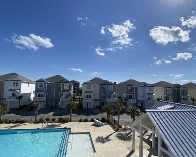 3 bedroom, 3 1/2 bath townhome located poolside with ocean view/access - Atlantic Beach