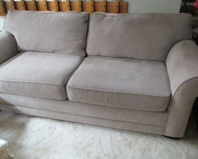 7' COUCH Very Very Nice/Comfortable/Clean