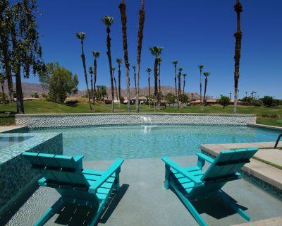 Luxury PGA West Home w/SALT WATER POOL/SPA, FIRE PIT, GOLF CART, PUTTING GREEN! - La Quinta