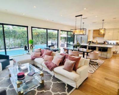 Luxe Modern Farmhouse with Ample Open Space to Celebrate, Venice, CA