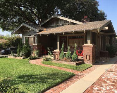 Old Pasadena,Pasadena California, Beautiful Historic Craftsman Bungalow 3BR 2BA - Pasadena