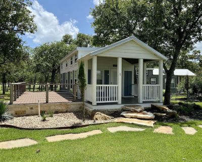 #1 Jackson - 1 Bedroom Cottage - Fredericksburg