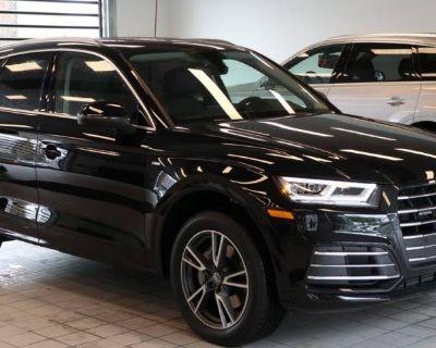 2020 Audi Q5 Plug-In Hybrid e Premium Plus