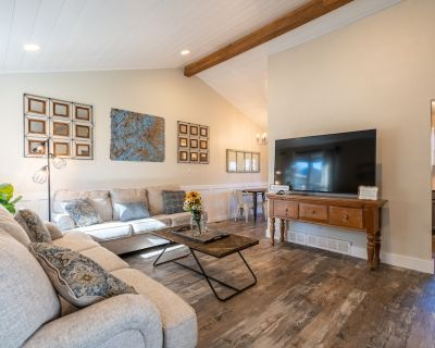 *New listing* North Table Mountain Retreat - Jefferson County