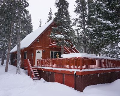 Gorgeous Mountain Cabin with Hot Tub and Glacier hiking year round - Saint Mary's