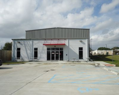 REDUCED RENTAL RATE! Multi-use Facility (New Construction)