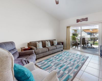 Dog-friendly Ground-floor Home W/free Wifi, Patio, Shared Pools, and Pool Spas - Palm Desert