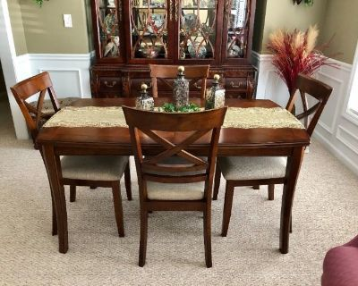 **4-Day Estate Sale** High-end furniture, home decor, collectibles, artwork & MUCH MORE!!!