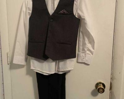 Boys medium white and dark gray 3 piece suit size 10