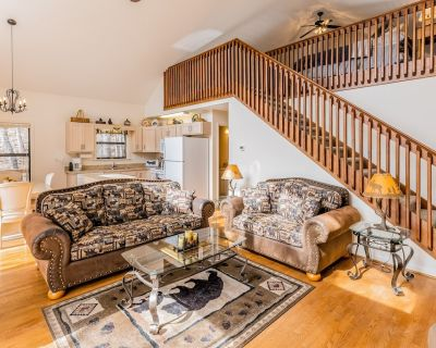 Perfect Vacation Home w/ Free WiFi, Central A/C, Washer/Dryer, and Great Views - Whittier