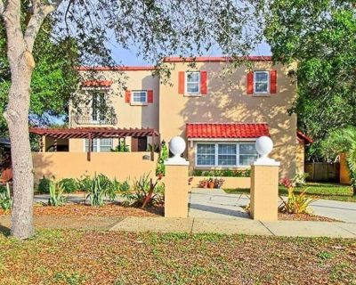 Historic Villa - Minutes to Beaches & Downtown - St. Petersburg
