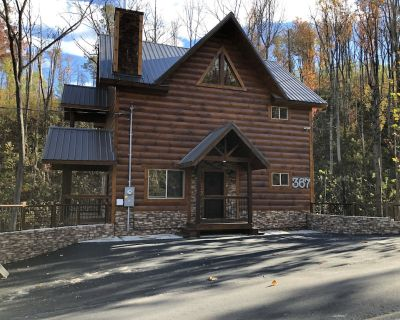 WHISKEY BEAR CREEK NEW 2021 CONTEMPORARY CABIN IN SMOKY MOUNTAINS - Chalet Village North