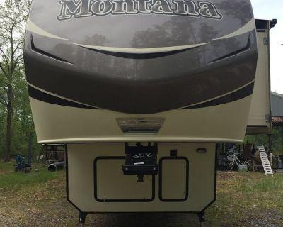 2015 Keystone Montana 3721RL