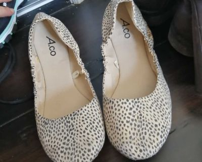 Size 9 shoes from ardene