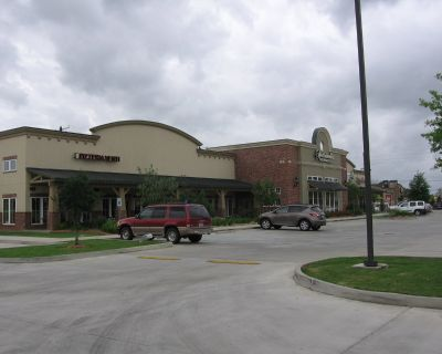 104 E. Kaliste Salooom retail for lease