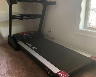 Sole Treadmill E80