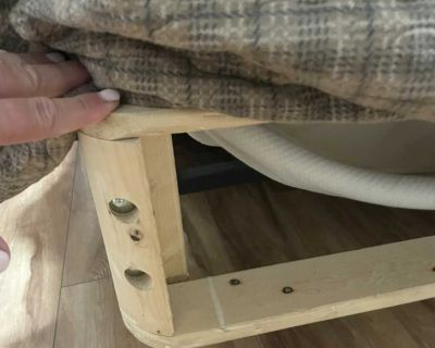 Queen frame and wood box spring