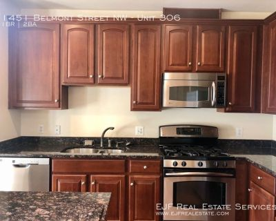 Modern One Bedroom with Den in U Street Corridor- SS appliances, Granite, W/D, and much more!
